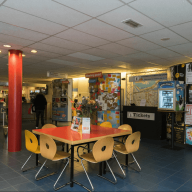 Stayokay Amsterdam Lobby